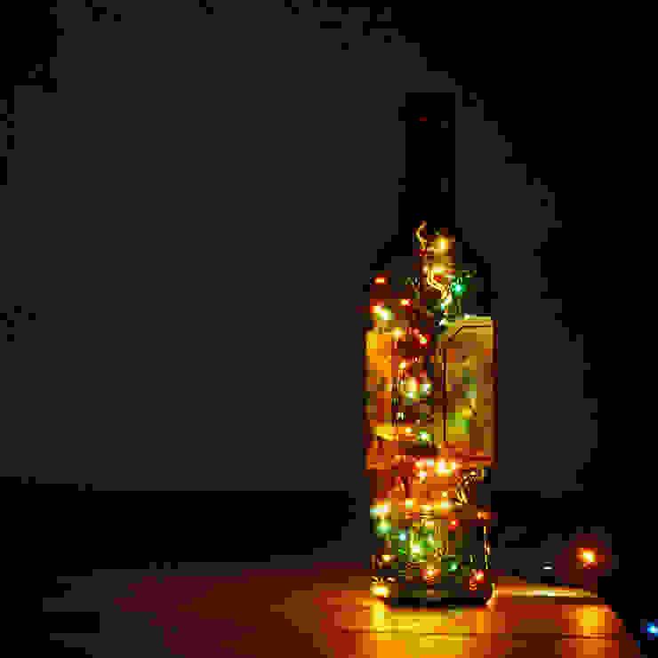 LAMPBADA DESIGN LAMP – Frenchwineglass Tasarım, Cam Gece Masa Lambası: modern tarz , Modern