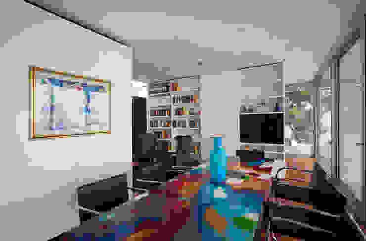 Interni di Studio 4 Moderno