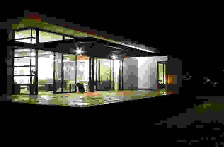 Il terrazzo Case in stile minimalista di Studio 4 Minimalista