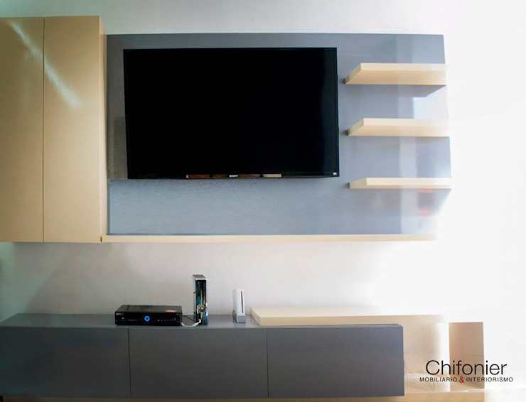DETALLE MUEBLE TV FAMILY Salas multimedia modernas de Chiffonnier Moderno