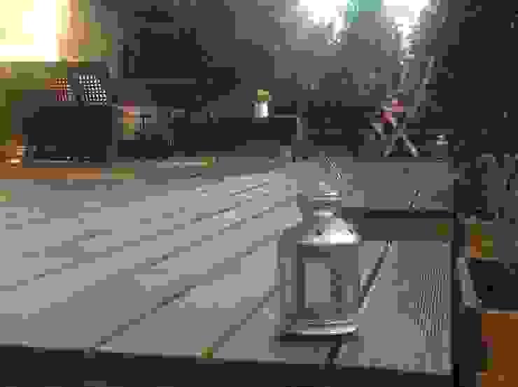 Decking โดย Neil Brown - Handyman & Renovations โมเดิร์น