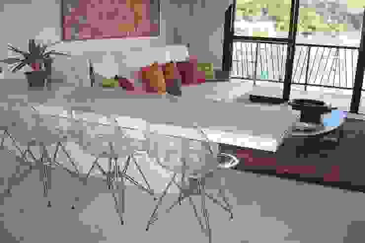 Salas de jantar tropicais por Cadore Arquitetura Tropical