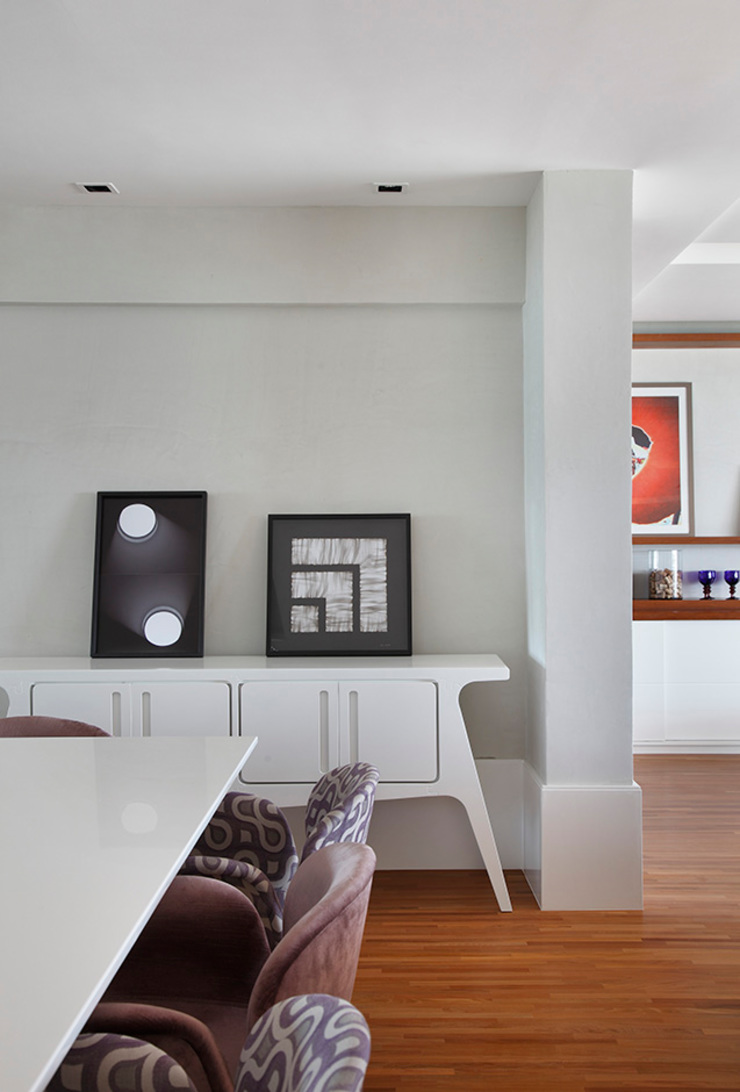 Corredores, halls e escadas minimalistas por Cadore Arquitetura Minimalista