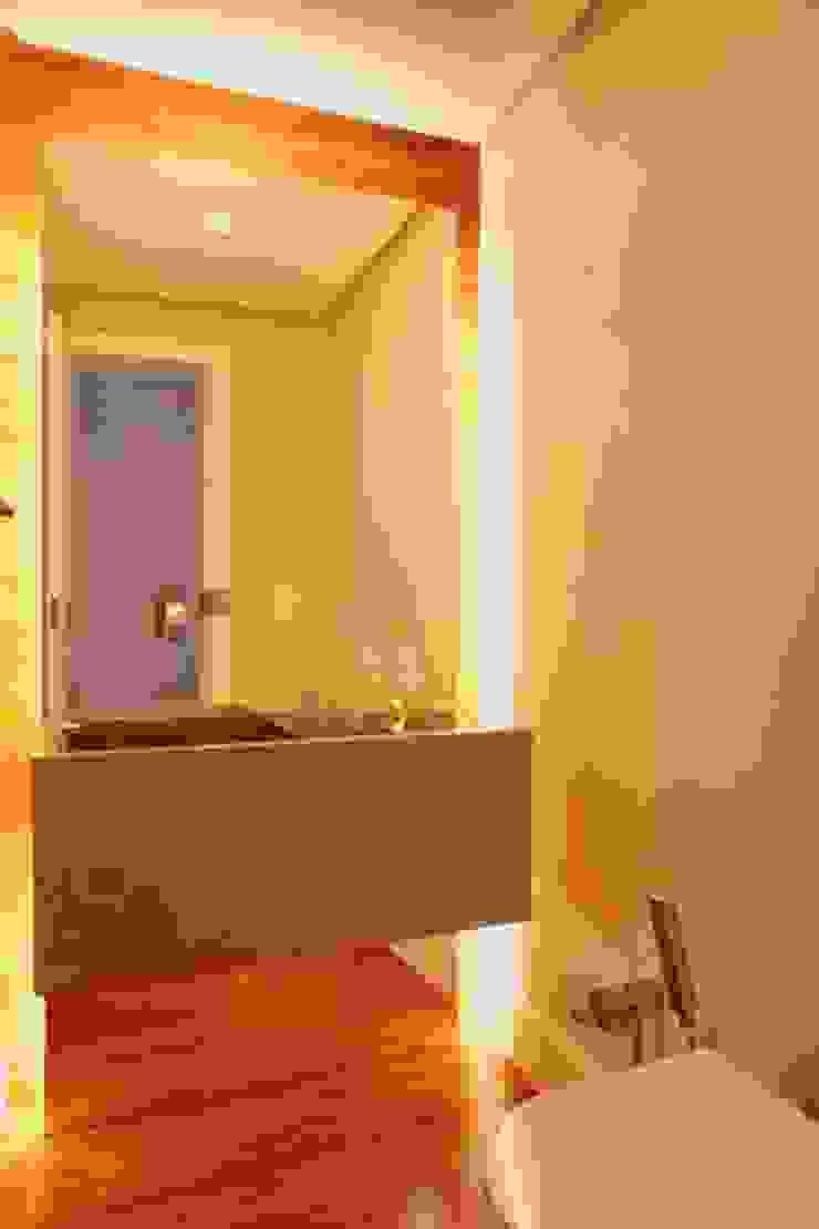 Casas de banho modernas por Cadore Arquitetura Moderno
