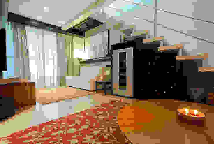Living com Adega Salas de estar modernas por Luine Ardigó Arquitetura Moderno