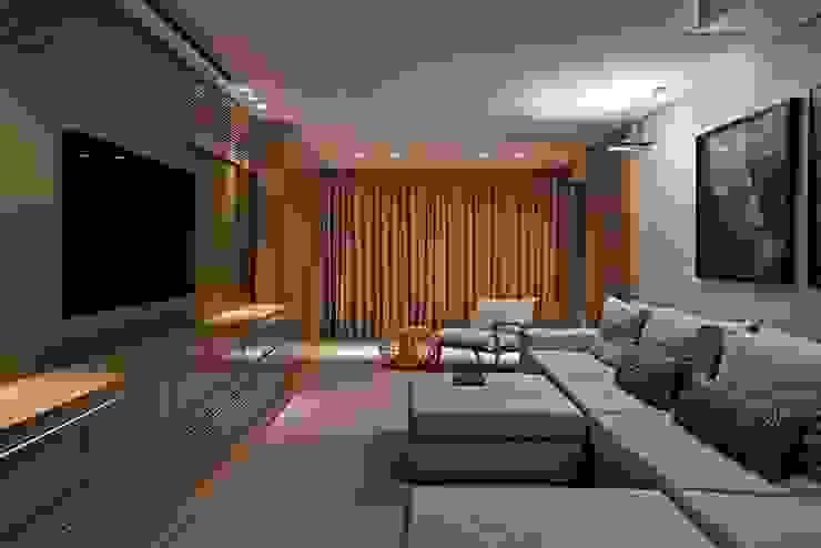 Residência A&S Varandas, alpendres e terraços modernos por Alessandra Contigli Arquitetura e Interiores Moderno
