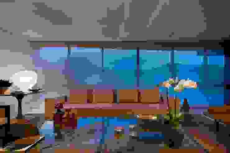 Residência T&L Salas de estar modernas por Alessandra Contigli Arquitetura e Interiores Moderno