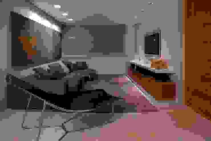 Residência T&L Salas multimídia modernas por Alessandra Contigli Arquitetura e Interiores Moderno