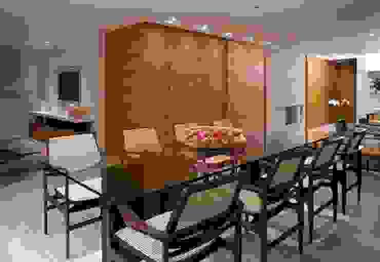 Modern Dining Room by Alessandra Contigli Arquitetura e Interiores Modern