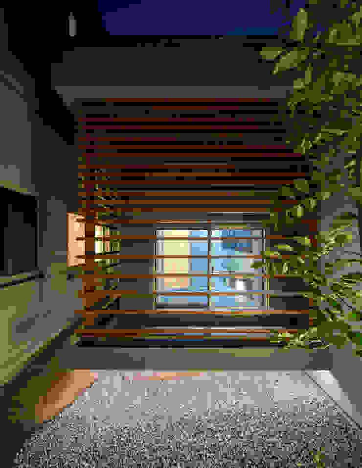 K9-house 「木と光の家」 モダンスタイルの お風呂 の Architect Show Co.,Ltd モダン