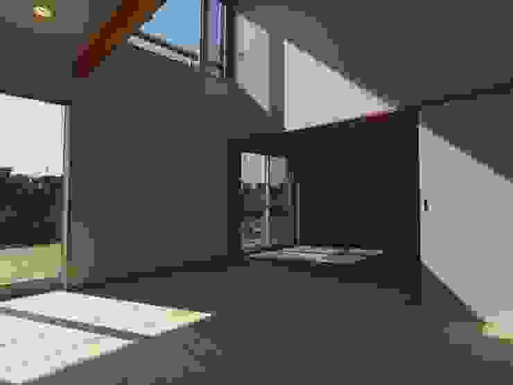 南鎌ヶ谷の家 モダンデザインの リビング の 麻生英之建築設計事務所 モダン