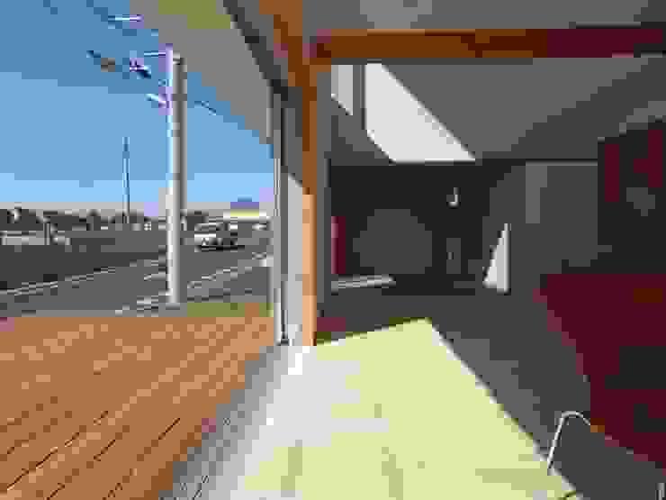 南鎌ヶ谷の家 モダンデザインの テラス の 麻生英之建築設計事務所 モダン