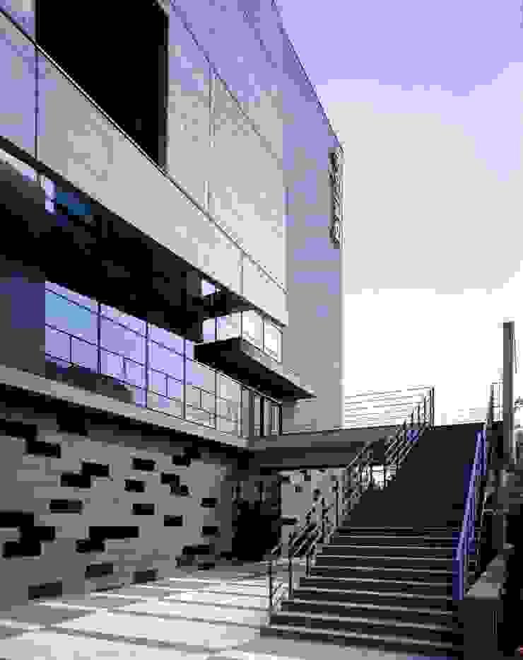 숭인교회 모던 스타일 컨퍼런스 센터 by HANMEI - LEECHUNGKEE 모던