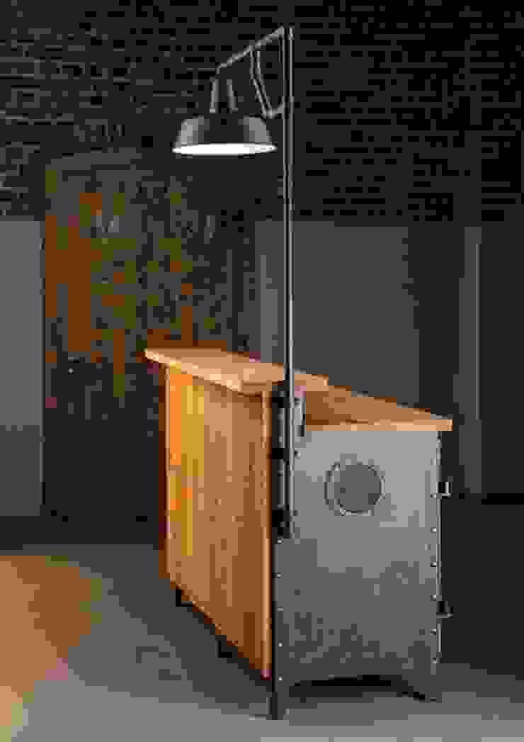 Theke H16931: industriell  von ROBERS-LEUCHTEN GmbH & Co. KG,Industrial