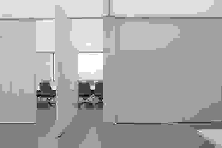 FritsJurgens® taats deuren Minimalistische kantoorgebouwen van Proest Interior Minimalistisch