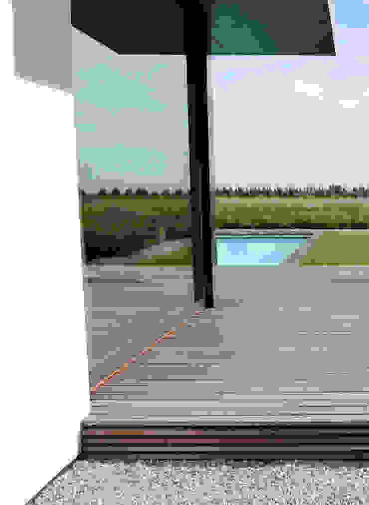 refined details Jardines minimalistas de Andrew van Egmond (ontwerp van tuin en landschap) Minimalista