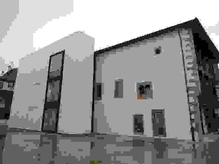 MC CONSERVACIÓN Y RESTAURACIÓN, S.L. 클래식스타일 주택