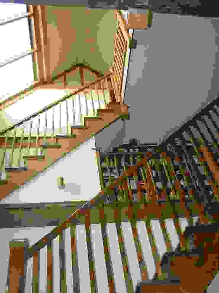 Churchill Heath Farm, Stairs Pasillos, vestíbulos y escaleras de estilo rural de BLA Architects Rural
