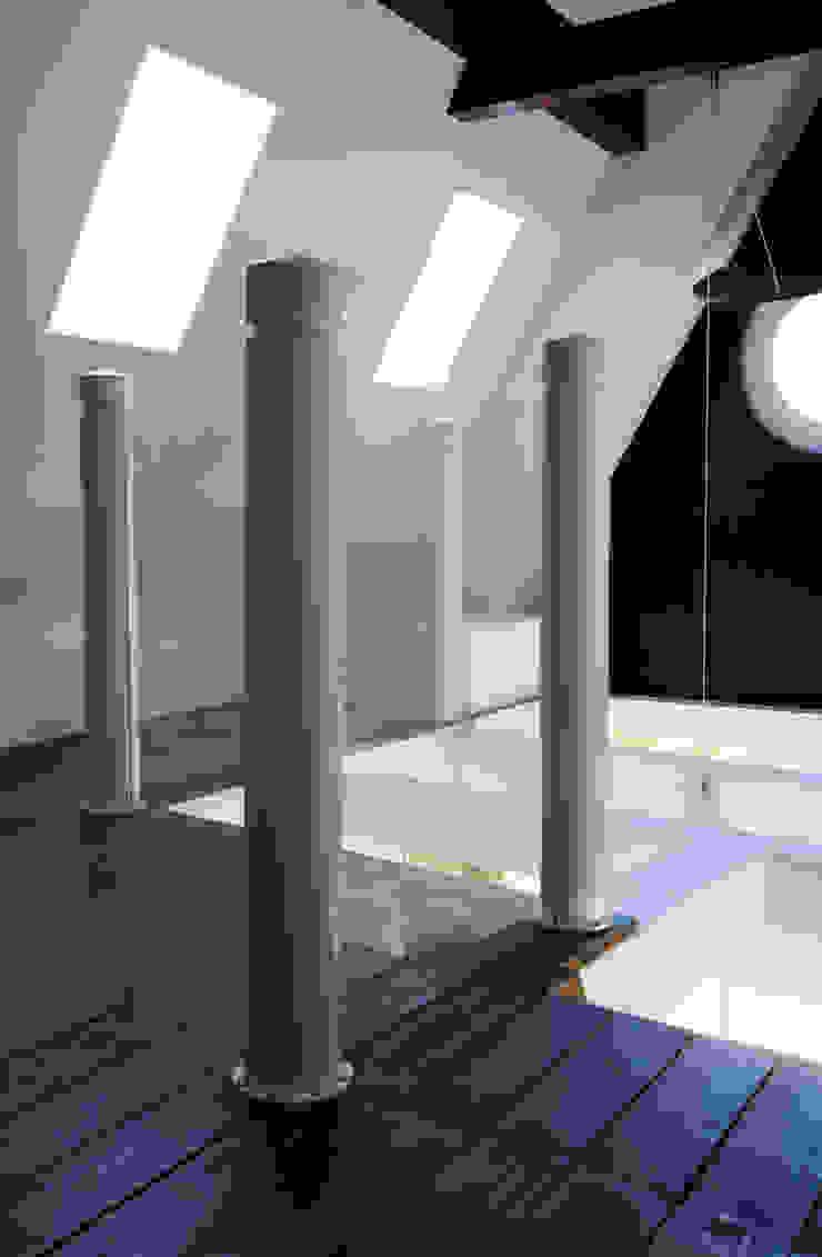Proest Interior Modern corridor, hallway & stairs