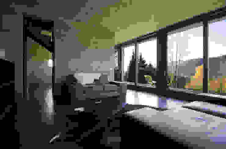 Casa per le vacanze a Pettenasco Soggiorno moderno di PRR Architetti - Stefano Rigoni Sara Pivetta Stefania Restelli Moderno