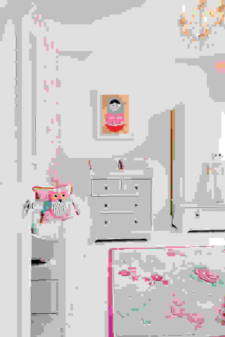 Queens Park House Honeybee Interiors Dormitorios de estilo ecléctico