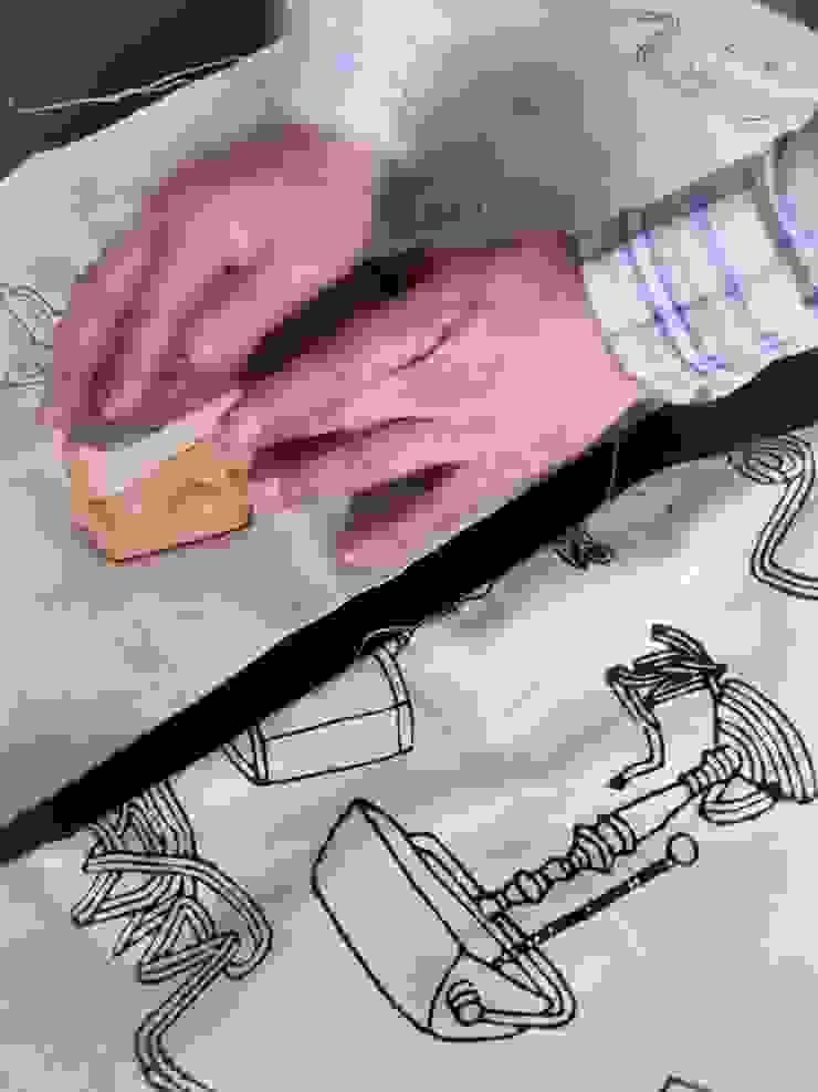 Chouchette – Chouchette Work in Progress - Wood block printing: modern tarz , Modern