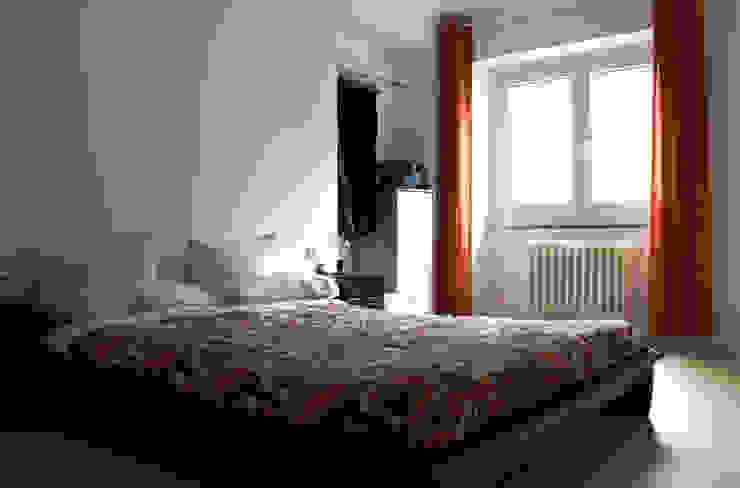 Camera da letto Camera da letto minimalista di Aulaquattro Minimalista