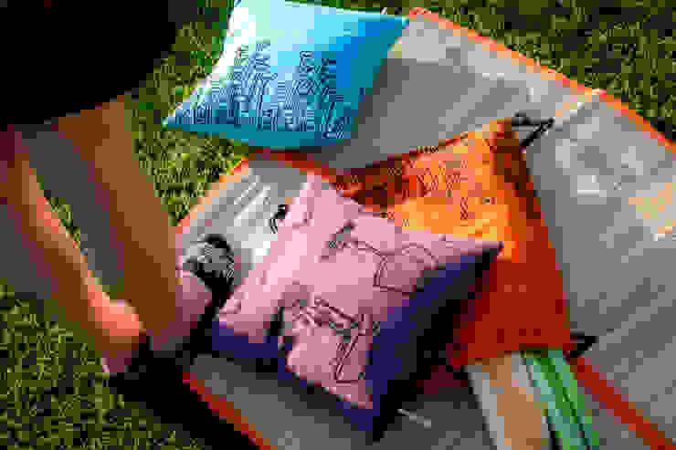 Chouchette – Chouchette cushions: modern tarz , Modern