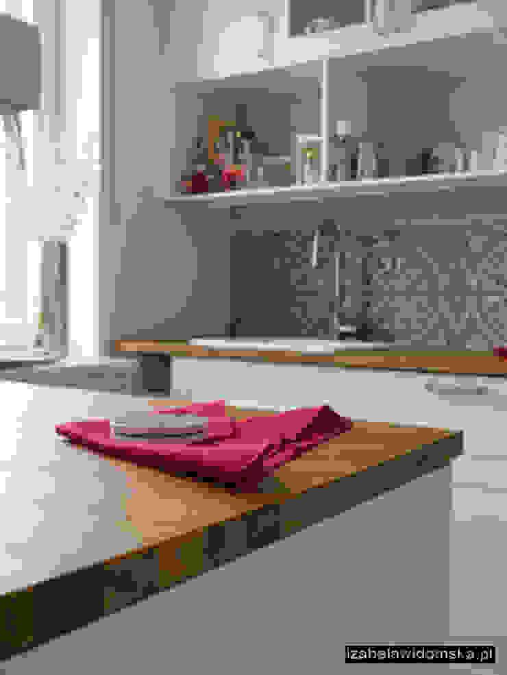 Kuchnia z barkiem Śródziemnomorska kuchnia od Izabela Widomska Interiors Śródziemnomorski