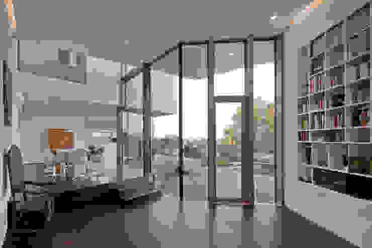 Modern Living Room by Kauffmann Theilig & Partner, Freie Architekten BDA Modern