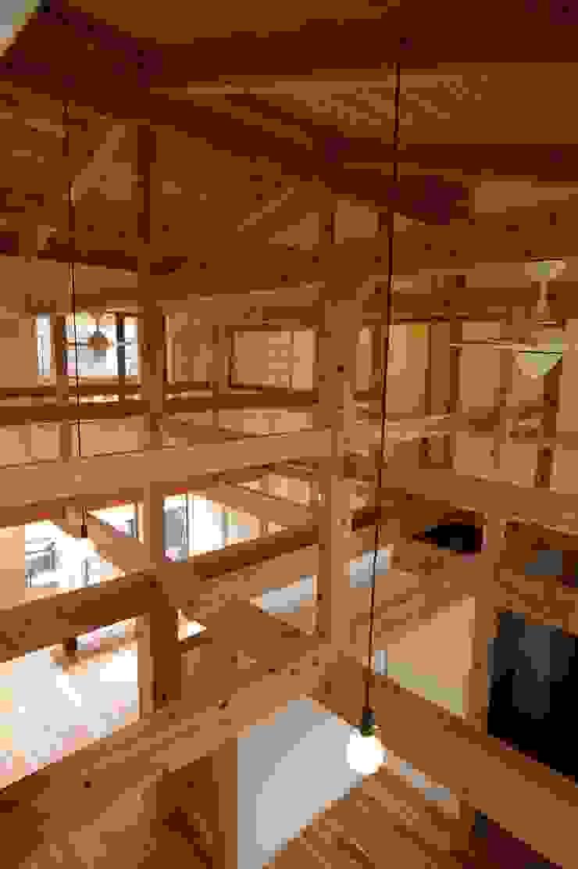 木造伝統工法のF邸 和風デザインの リビング の 建築設計事務所 山田屋 和風