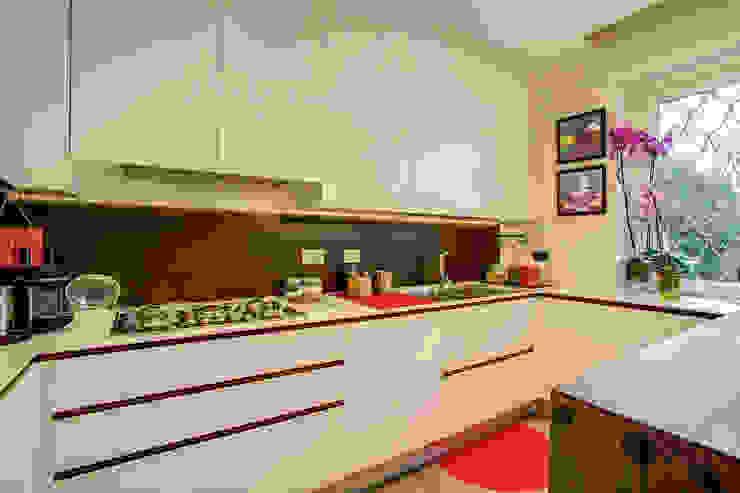 Dapur Modern Oleh MOB ARCHITECTS Modern