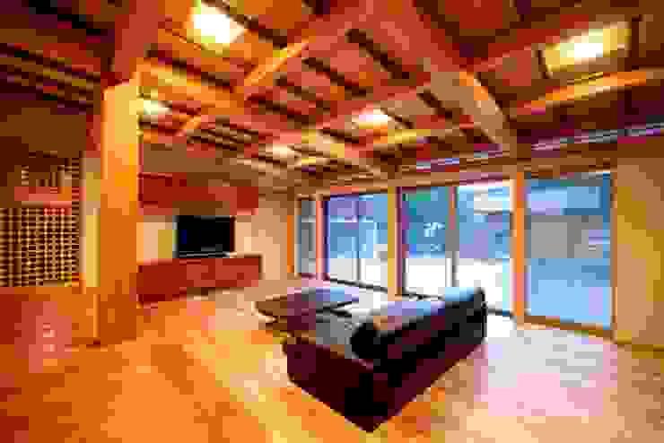 伝統木造のN邸 和風デザインの リビング の 建築設計事務所 山田屋 和風