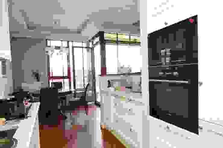 apartament Willanów Klasyczna kuchnia od livinghome wnętrza Katarzyna Sybilska Klasyczny