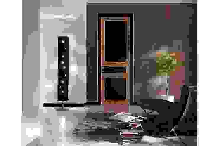 Eclectic wood doors rose wood + black gloss laquered Eclectic style windows & doors by TONDIN PORTE SRL con unico socio Eclectic
