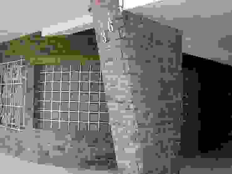 de style colonial par Ornella Lenci Arquitetura, Colonial