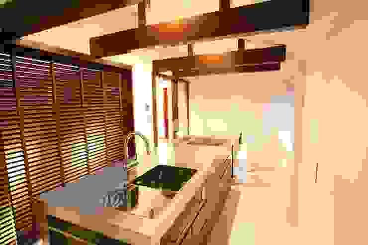 ダイニング・キッチン オリジナルデザインの キッチン の 杉山真設計事務所 オリジナル
