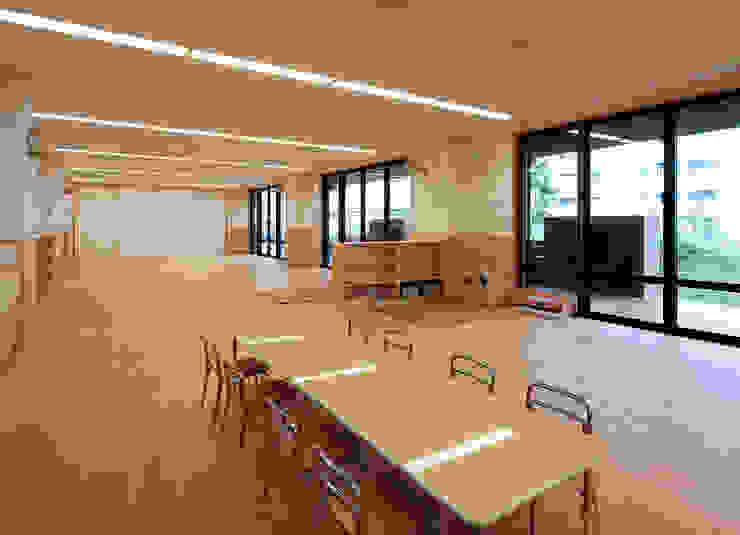 屋上庭園のある保育園(1階保育室) アジア風学校 の ユニップデザイン株式会社 一級建築士事務所 和風