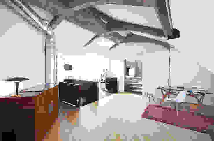 Modern Living Room by andrea borri architetti Modern