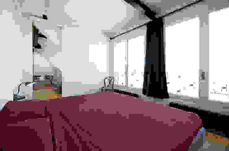 visconti di modrone Camera da letto moderna di andrea borri architetti Moderno