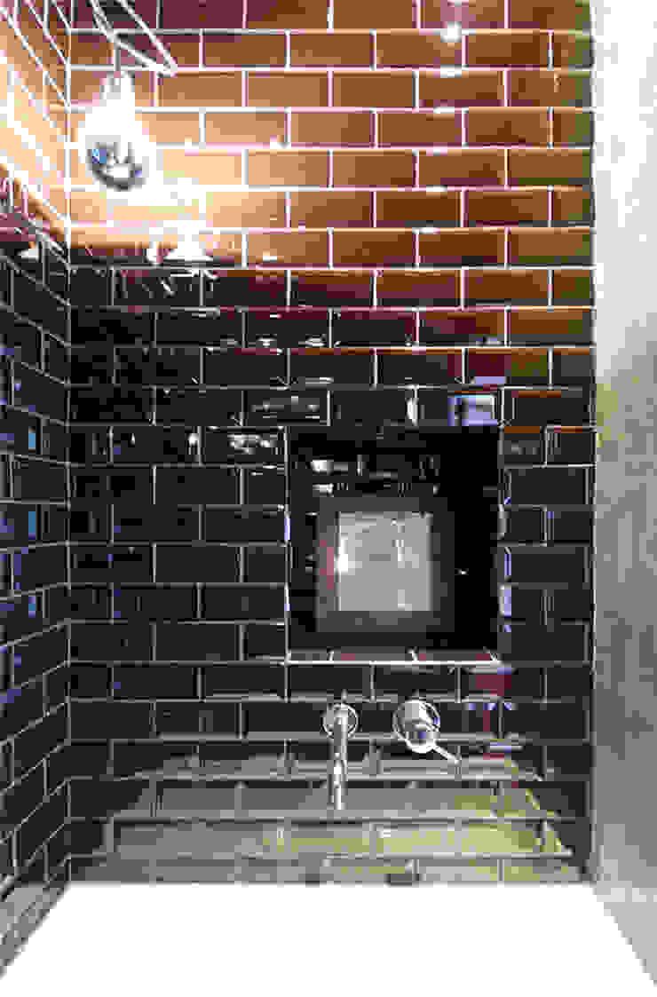 visconti di modrone Bagno moderno di andrea borri architetti Moderno