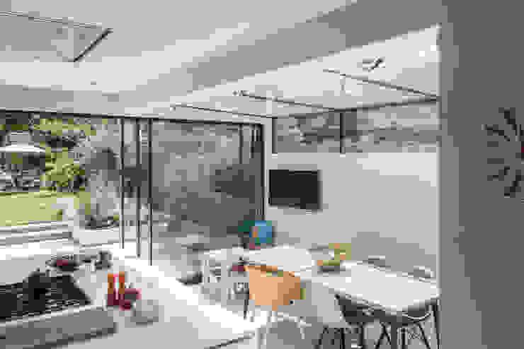Friern Road, London Red Squirrel Architects Ltd Modern kitchen
