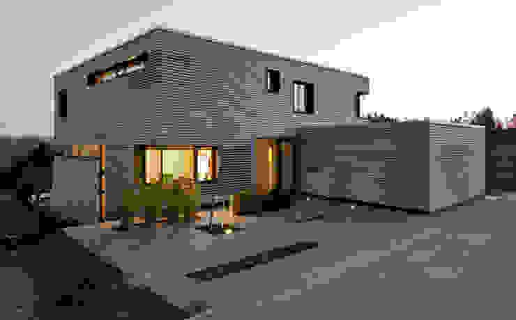 Zugangsbereich Moderne Häuser von Kauffmann Theilig & Partner, Freie Architekten BDA Modern