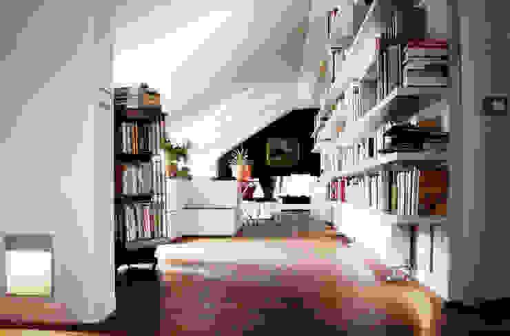 porta nuova Soggiorno moderno di andrea borri architetti Moderno