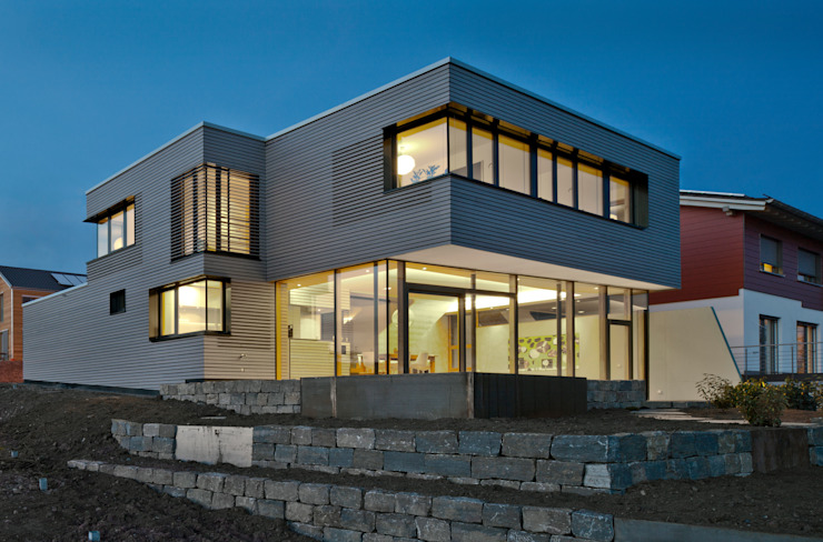Hangansicht am Abend Moderne Häuser von Kauffmann Theilig & Partner, Freie Architekten BDA Modern
