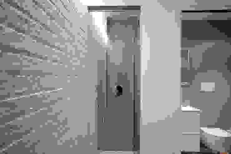 Banheiros modernos por Manuela Tognoli Architettura Moderno