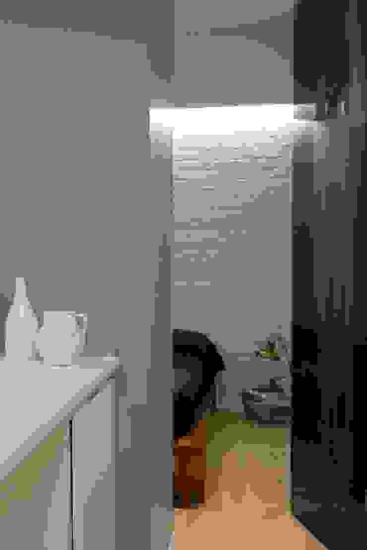 Manuela Tognoli Architettura インダストリアルスタイルの 寝室