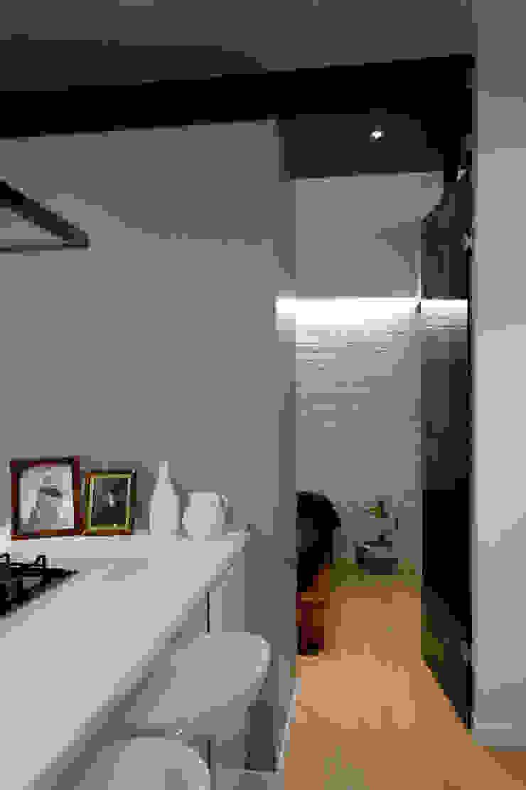 Manuela Tognoli Architettura インダストリアルデザインの キッチン