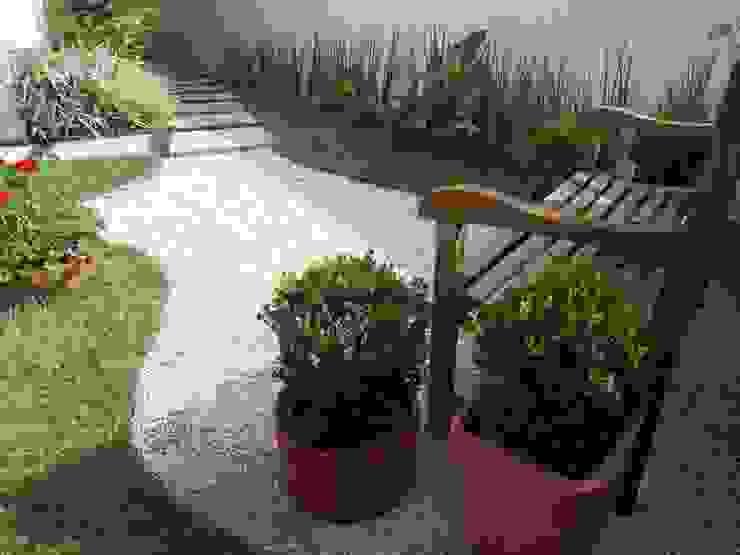 Jardines de estilo rústico de Lúcia Vale Interiores Rústico