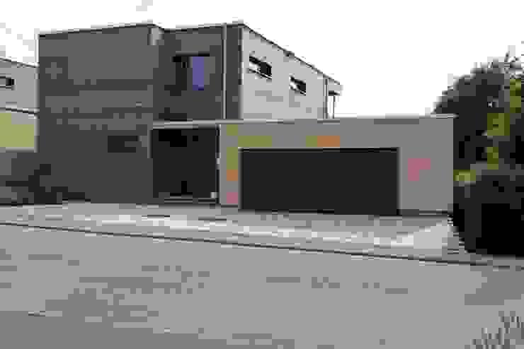 Garage/shed by Architekturbüro Arndt, Modern